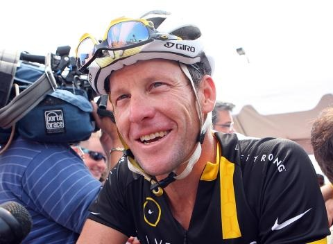 News video: Lance Armstrong Considers Starting New Cancer Foundation
