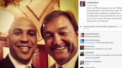 News video: US Senator Attempts to Take Selfies With All of His Colleagues